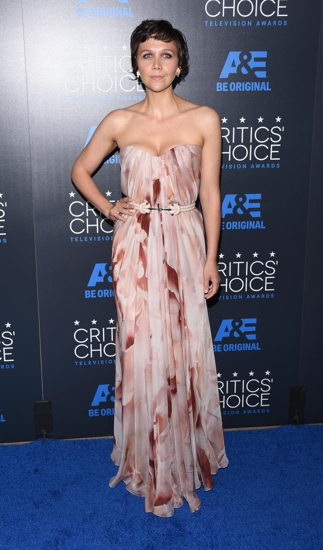 Maggie Gyllenhaal, muy guapa