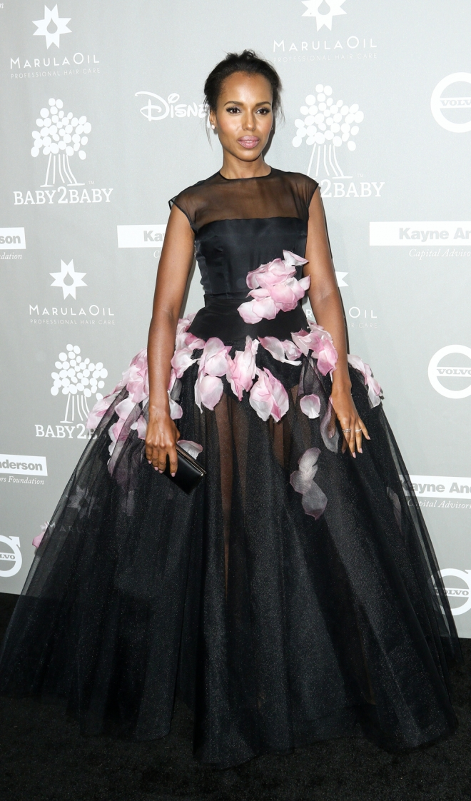 Baby2Baby: el look más lady de Kerry Washington