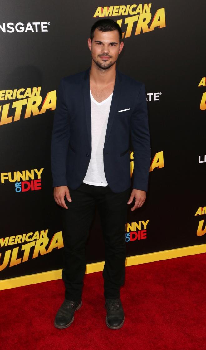 Falsas muertes de famosos: Taylor Lautner