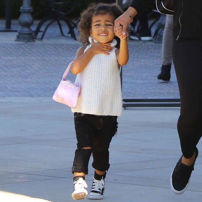 North West ya apunta maneras como Kardashian