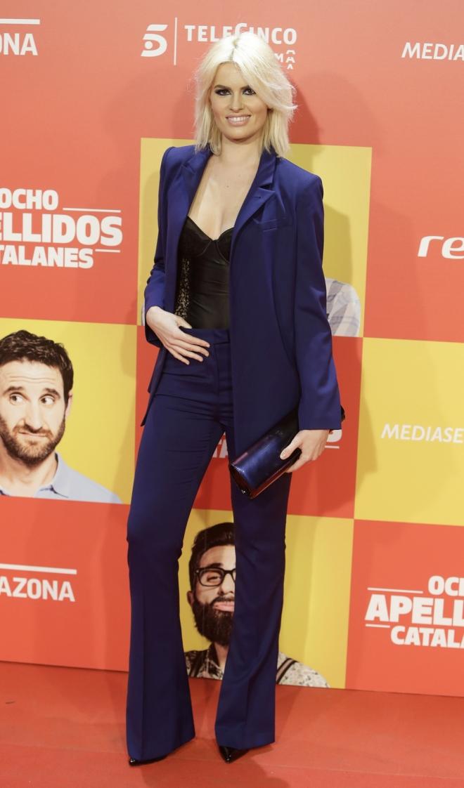 Ocho apellidos catalanes: Adriana Abenia, elegante y sexy