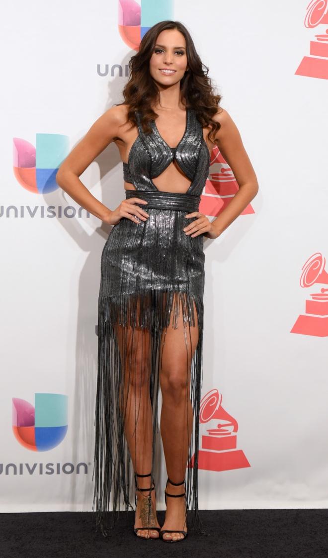 Grammys Latinos 2015: Genesis Rodriguez, con un extraño look