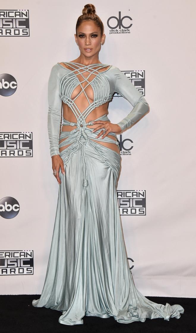 AMAS 2015: un look terrible el elegido por Jennifer Lopez