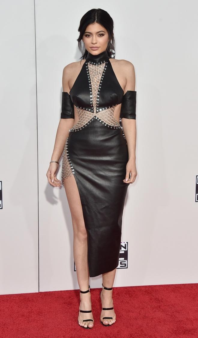 AMAS 2015: el look más 'criminal' de Kylie Jenner