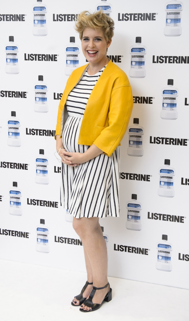 Tania Llasera, presumiendo de embarazo con rayas y color