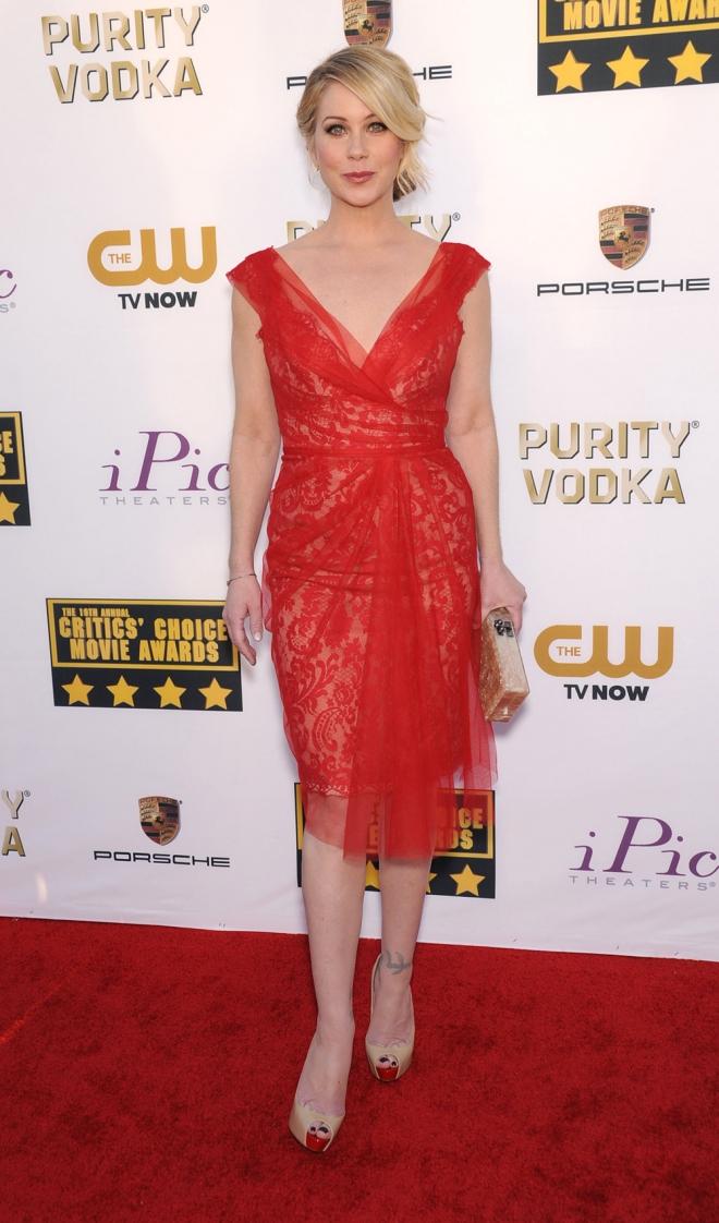 Christina Applegate, sexy de rojo