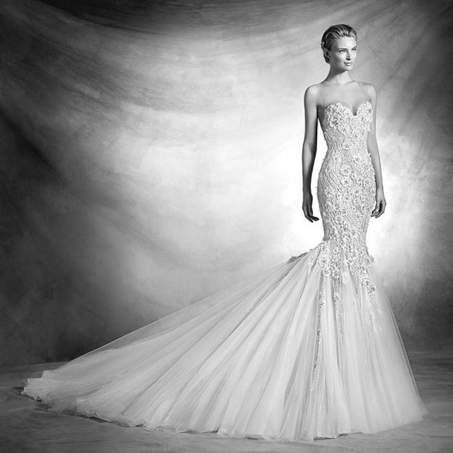 Vestidos de novia 2016: tul y palabra de honor de Pronovias