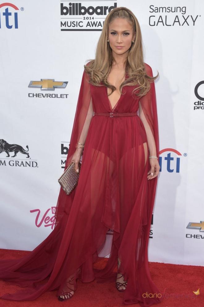 Jennifer Lopez es la dueña del universo por sus transparencias