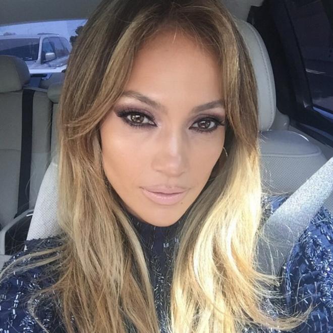 Jennifer Lopez es la dueña del universo porque nadie se pinta los labios como ella