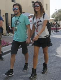 Fernando Alonso y Lara Álvarez, feliz paseo de amor