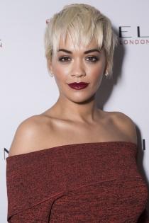 Cortes de pelo pixie: Rita Ora, corto y despeinado
