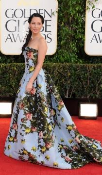 Vestidos Carolina Herrera: Lucy Liu apuesta por las flores