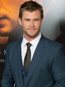 Famosos que son altos: Chris Hemsworth mide 1,90