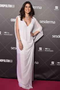 Raquel Sánchez Silva, total white
