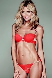 Heidi Klum, sexy de rojo