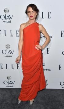 ELLE Women in Television: Juliette Lewis apuesta por el rojo