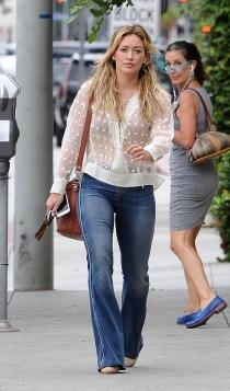 El pantalón de campana de Hillary Duff