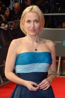 Famosas con falso bob: Gillian Anderson, muy logrado