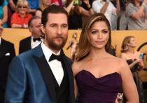 Camila Alves y Matthew McConaughey, una pareja de alfombra roja