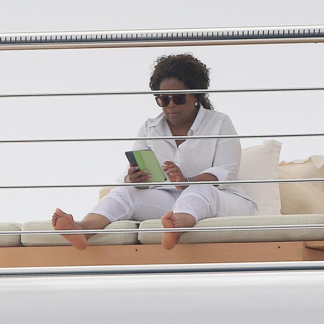 Oprah Winfrey, ella manda hasta descalza