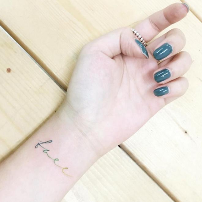 Tatuajes Pequeños Las Letras En Tu Muñeca