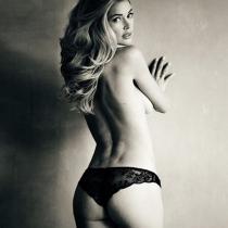 Famosas desnudas 2016: el topless de Doutzen Kroes