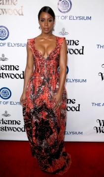 El escotazo de Kelly Rowland con un vestido de flores
