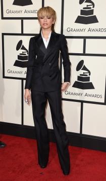 Grammys 2016: Zendaya, look masculino
