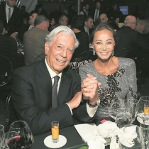 Vargas Llosa, presumiendo de novia con Preysler