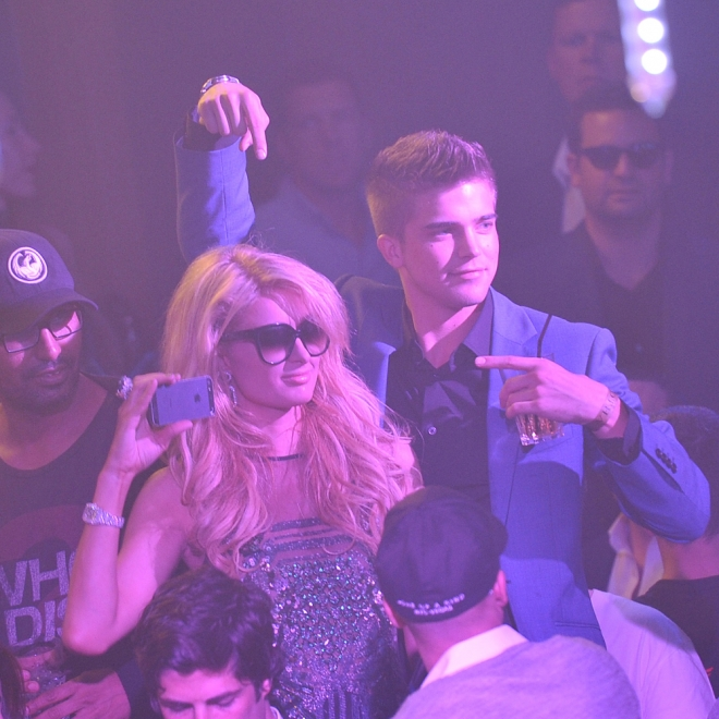 Paris Hilton, party animal y reina de los selfies