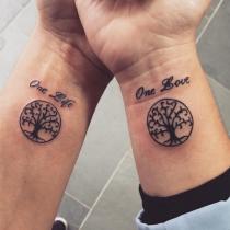 Tatuajes para parejas: un árbol en constante crecimiento
