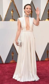 Oscars 2016: Olivia Wilde con un escote infinito