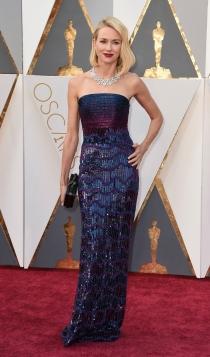 Oscars 2016: Naomi Watts, espectacular de Armani
