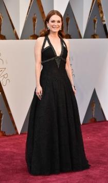 Oscars 2016: la elegancia de Julianne Moore con Givenchy