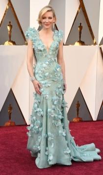 Oscars 2016: Cate Blanchett, una actriz floreada de Armani