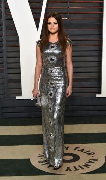 Vanity Fair Oscars 2016: Selena Gomez apuesta por los paillettes