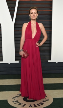 Vanity Fair Oscars 2016: Olivia Wilde, radiante y estupenda