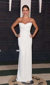 Vanity Fair Oscars 2016: Sofía Vergara, guapísima de blanco
