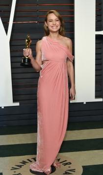 Vanity Fair Oscars 2016: Brie Larson, muy dulce