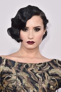 Peinados para bodas: Las ondas al agua de Demi Lovato