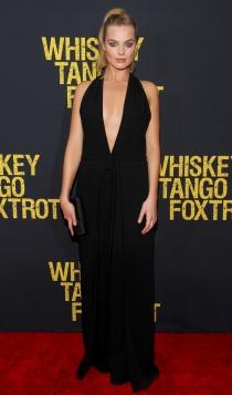 Margot Robbie, sexy de negro