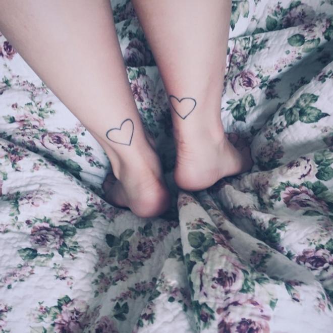 Tatuajes para el tobillo: el romanticismo de los corazones