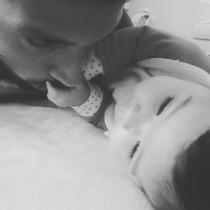 Ezequiel Garay, orgulloso papá de Shaila en Instagram