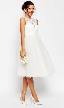 Una novia moderna, de corto y low cost con ASOS