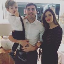 Carbonero y Casillas, encantados con el pequeño Martín