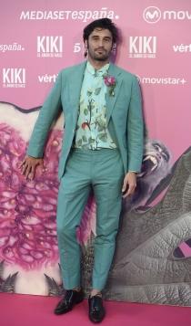 Premiere KIKI: Álex García, diferente y muy guapo
