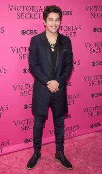 Austin Mahone, en la fiesta de Victoria's Secret