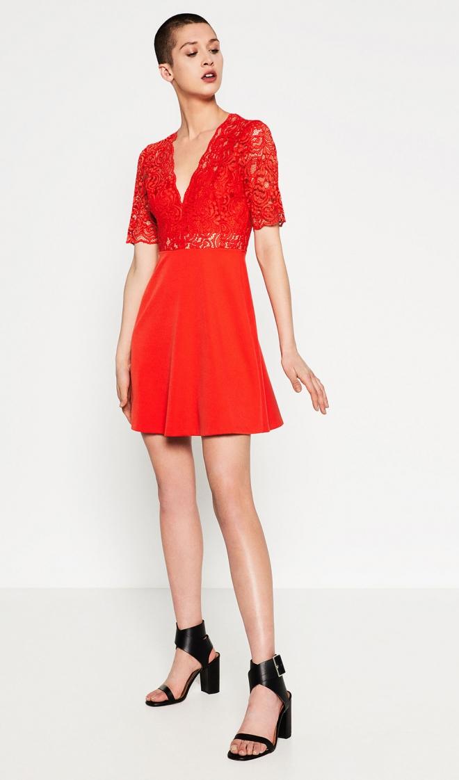 0148176f8 Un vestido rojo de ZARA