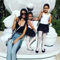 Las hijas de Adriana Lima, muy divertidas