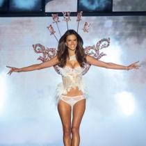 Alessandra Ambrosio lleva más de quince años en Victoria's Secret
